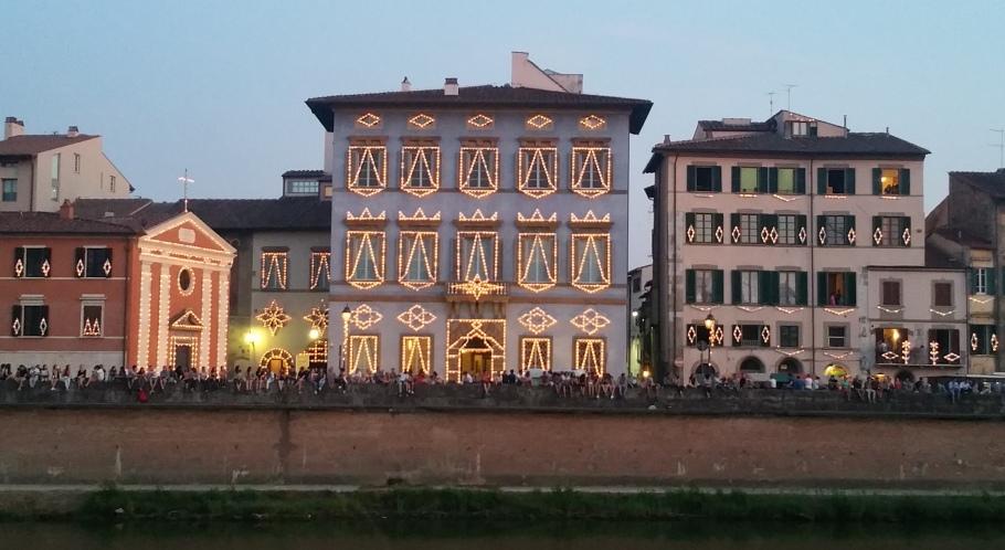 70.000 gyertya fogságában – Luminara Pisa-ban