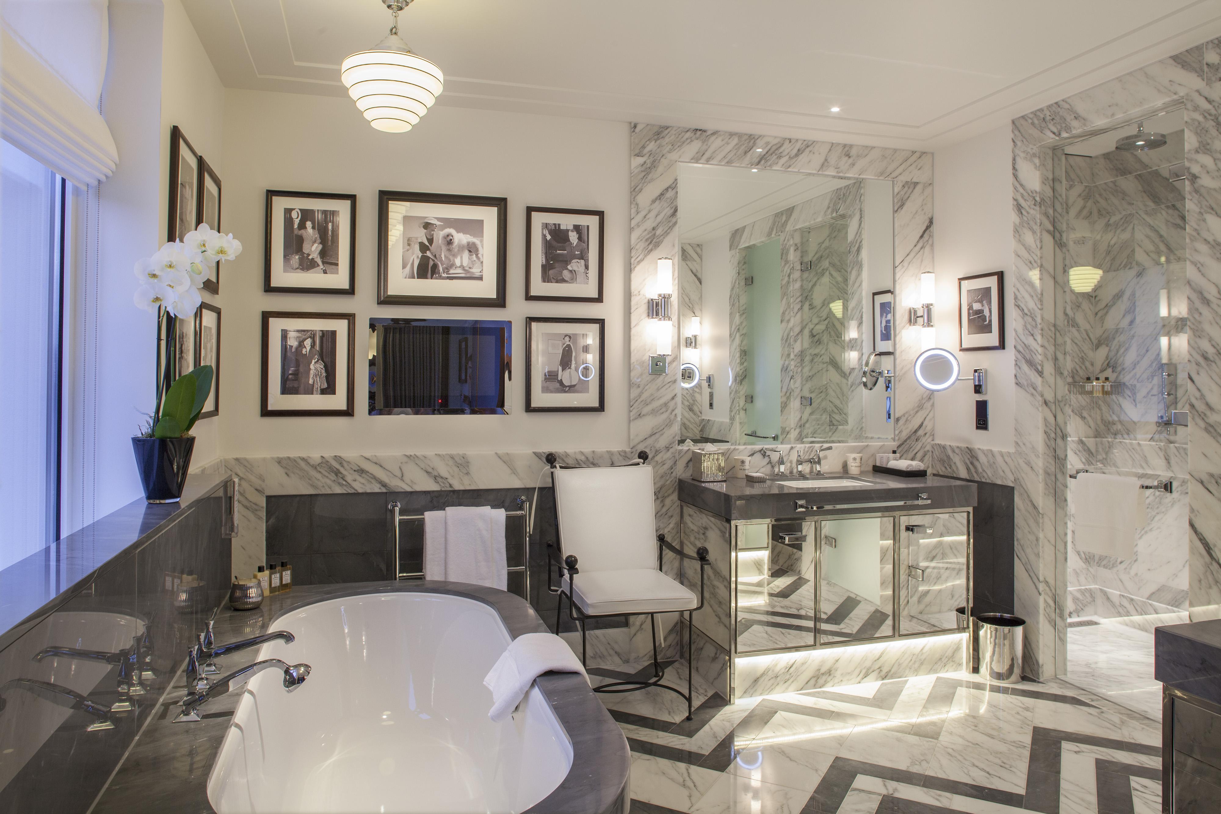 8305-presidential-bathroom-wide.jpg