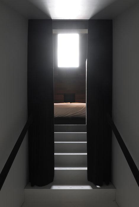 8302-antony-gormley-room-dg-82.jpg