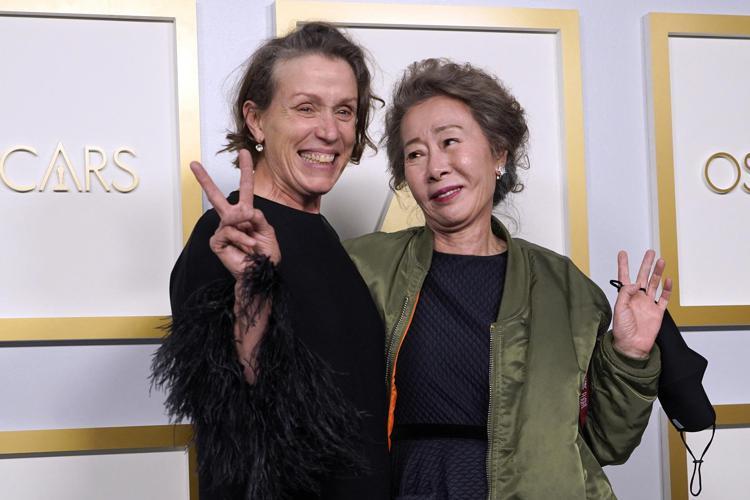 Taroltak az idősebb nők az Oscar-gálán – Ann Roth 89 évesen a legidősebb díjazott