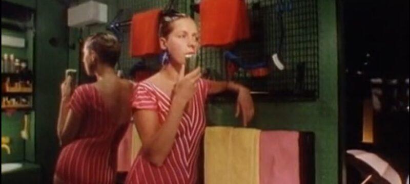 Vécék és kádak használat közben – a film, amit receptre kellene felírni a fürdőszoba-felújítást tervezőknek