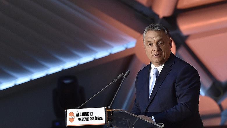 Orbán szerint az emberek jól felfogott érdeke, hogy halálra dolgoztathassák őket
