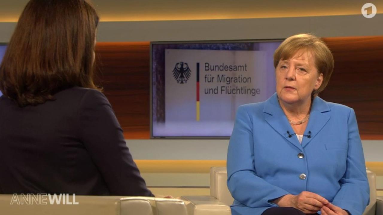 A kormánypropaganda az egekbe emelte Merkelt, pedig éppen nyilvánosan alázta Orbánt
