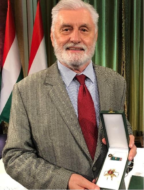 Szijjártó jó érzékkel akkor rendelte be a német nagykövetet, hogy visszautasítsa az antiszemitizmus vádját, amikor állami kitüntetést kapott egy ún. történész, aki szerint a zsidók kitúrták a magyarokat a vagyonukból