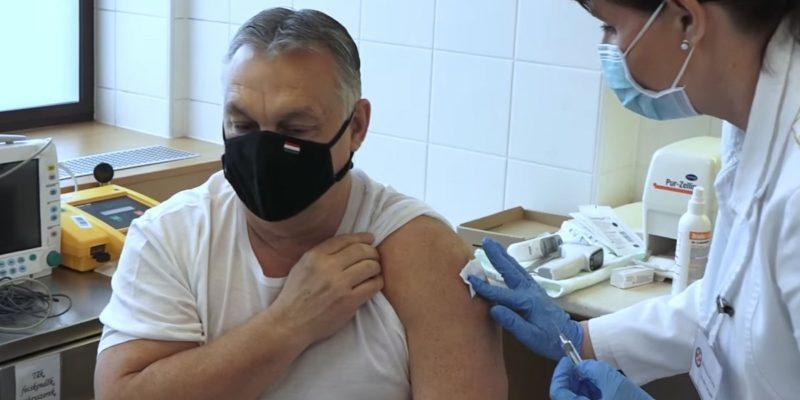 """Már a WHO is """"oltásellenes"""", és a kínai vakcina ellen """"hergel"""""""