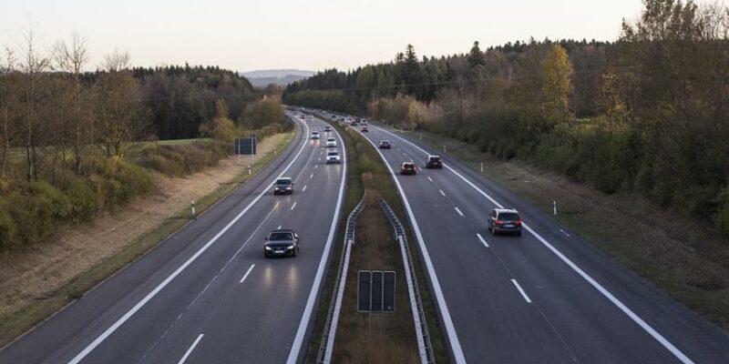 Hazaviszi a Fidesz az autópályákat is