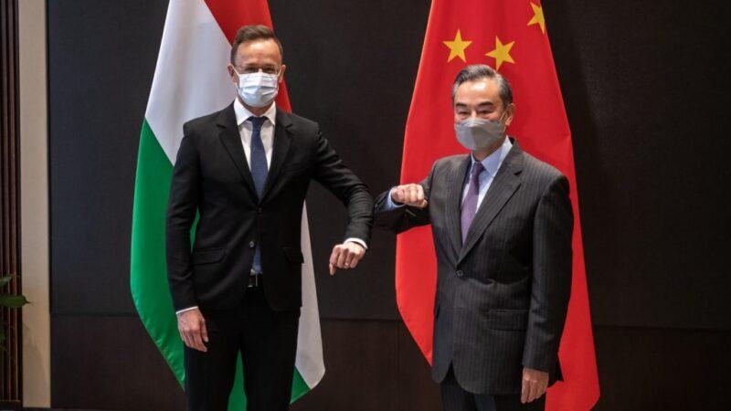 Több mint hárommillió adag kínai vakcina maradt a magyar állam nyakán, 35 milliárdot bukunk rajta
