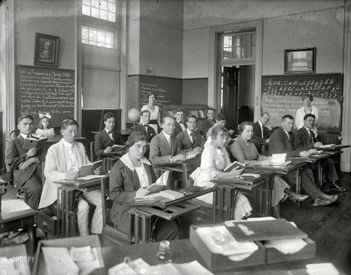 Nemzeti azonosságtudat, feltétlen elköteleződés: megkezdődött a pályakezdő tanárok agymosása