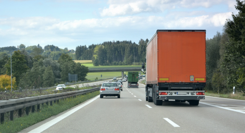 Egyre kevesebb a kamionos az Egyesült Királyságban és Magyarországon is