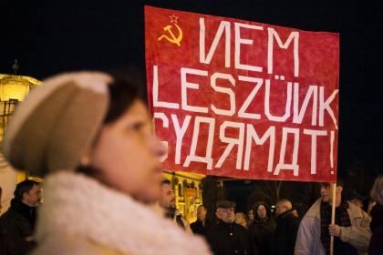 Ura-e a magyar kormány az atomerőmű-beruházással kapcsolatos történéseknek?