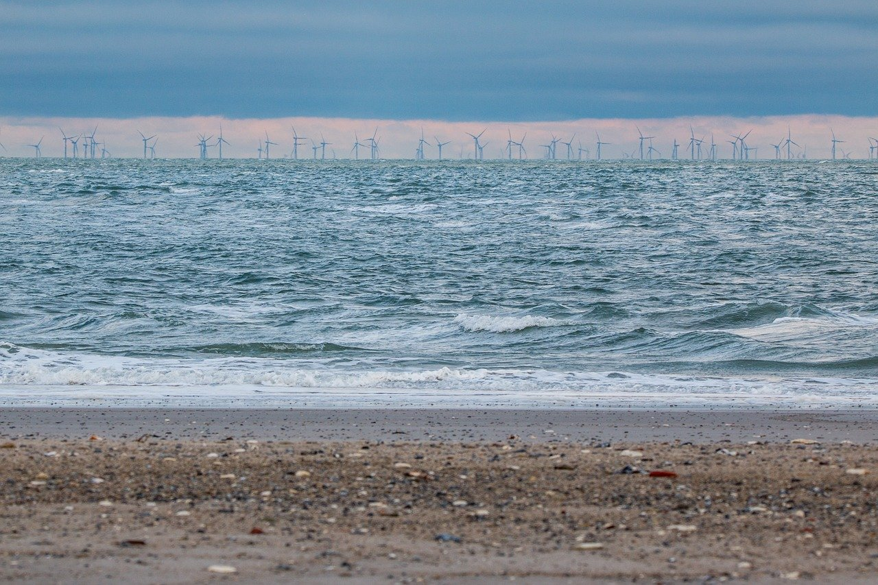 offshore-wind-park-3080449_1280.jpg