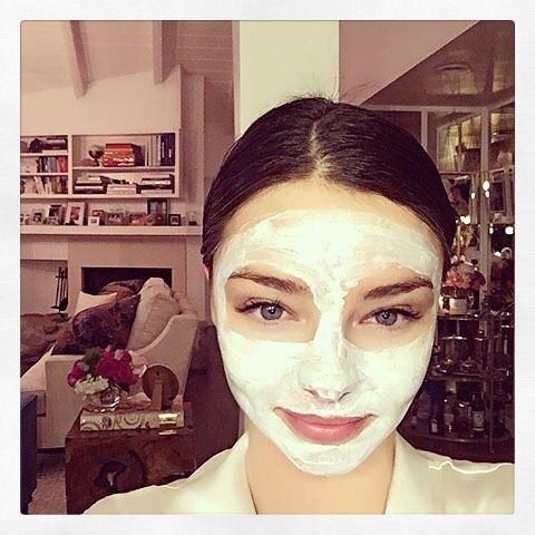Miranda Kerr dinnyés arcmaszkját Pekár Ildi készíti