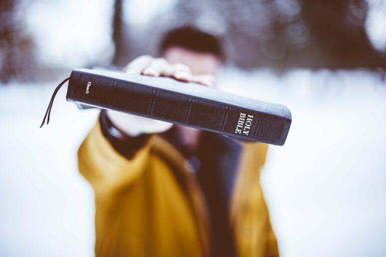 Olvasd a Bibliát, és nem leszel rákos!