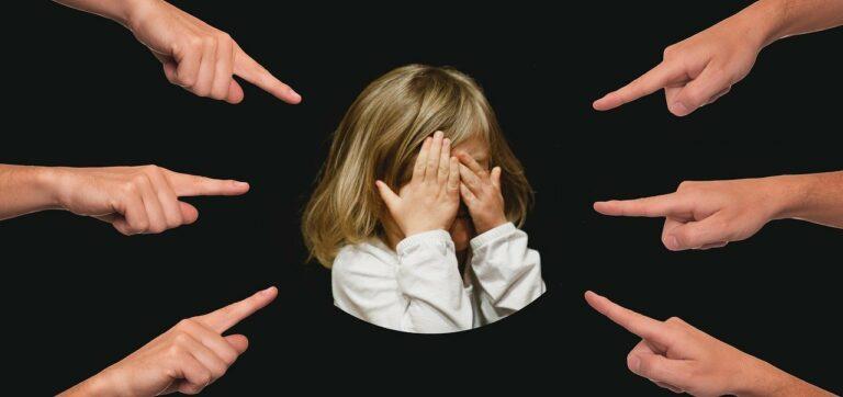 Facebook videóban alázzák a válogatós gyerekeket