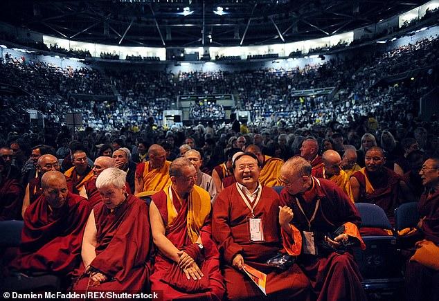 Hogyan ágyaz meg a guru-tanítvány viszony a szexuális visszaéléseknek a buddhista egyházakban?
