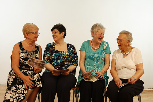 Négy katolikus nő beszélget…