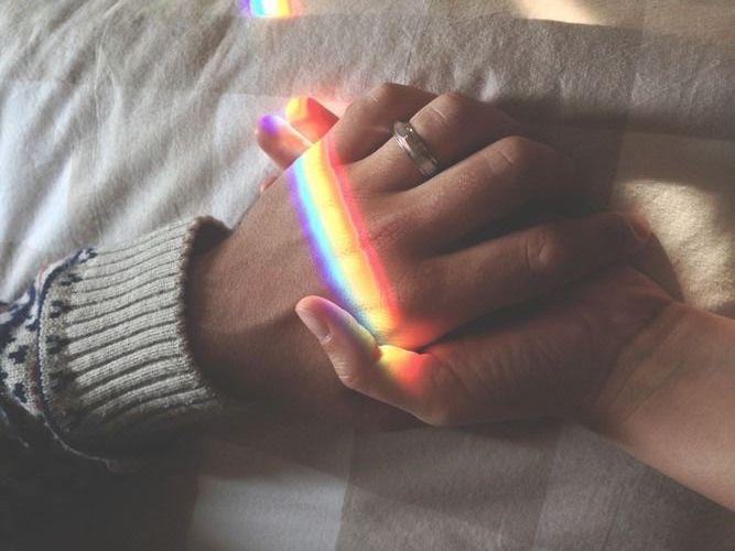 A meleg párok megáldásának tilalma újabb stigmatizálás?