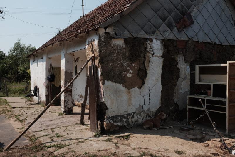 654. Lakhatási szegénységben