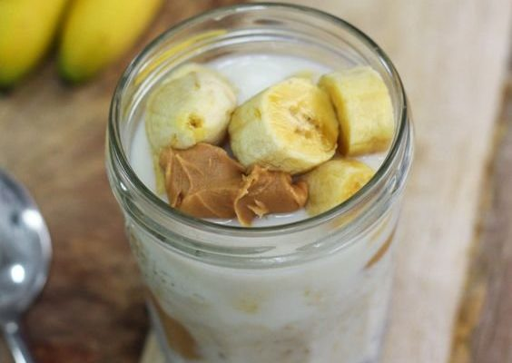Desszert reggelire: mogyorós-banános proteinbomba öt hozzávalóból