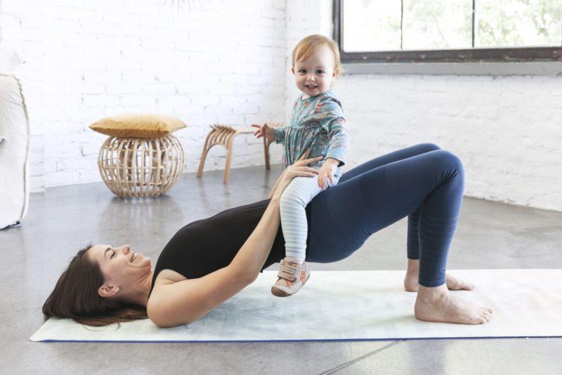 Om, om, om – babával jógázom