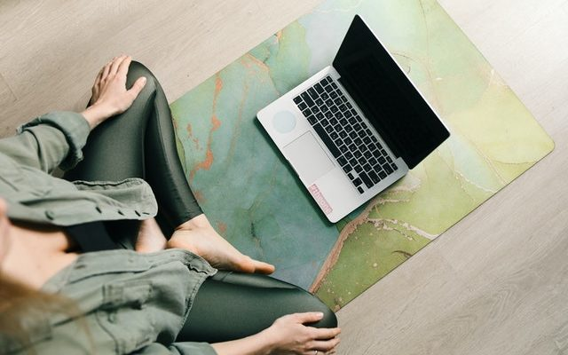 Egy magyar designercsapat összegyűjti neked, hol tudsz online jógázni